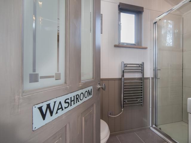 Shepherds Keep bathroom