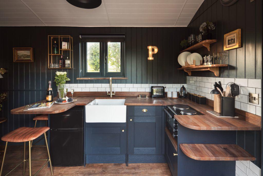 Shepherds Parlour kitchen